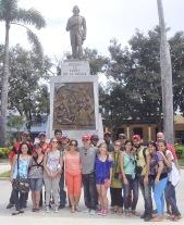En la Plaza de la Revolución, la primera en Cuba, Bayamo.