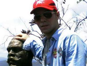 Yasel Toledo Garnache en la cima del Yunque, en Baracoa