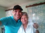 Yasel Toledo Garnache junto a su abuela
